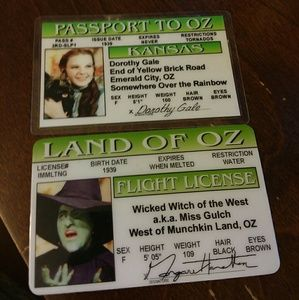 WIZARD OF OZ FANS!! TWO DRIVER'S LICENSES 💚💚